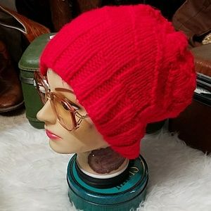 Great, chunky, red beanie!!